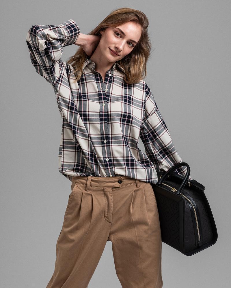 GANT Kadın Krem Kareli Tech Prep Oversize Gömlek